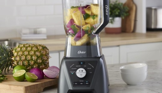 Oster blender with fruits